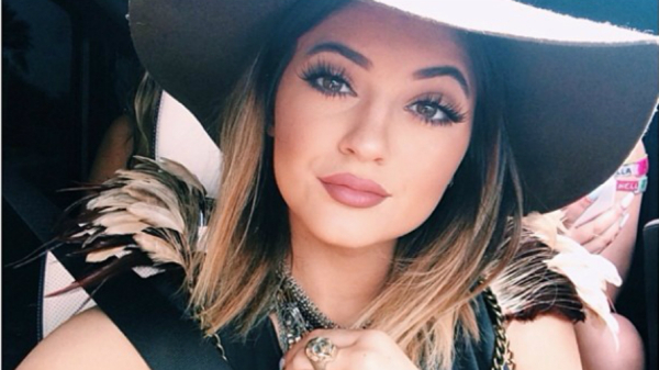 kylie-jenner-summer-music-fest-look